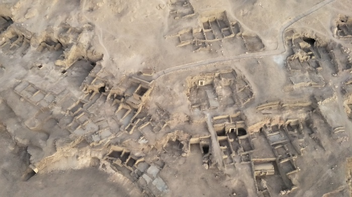 Old houses in the Valley of the Kings as seen from the hot air balloon