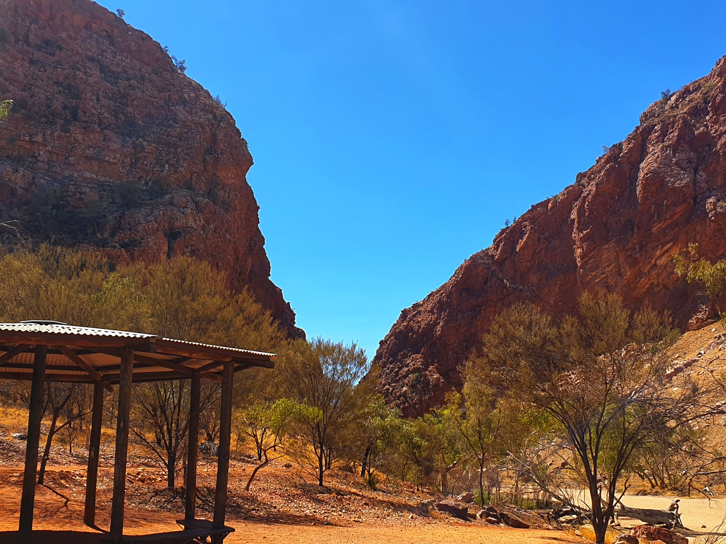 The entrance to Simpson's Gap, Alice Springs from the car park.