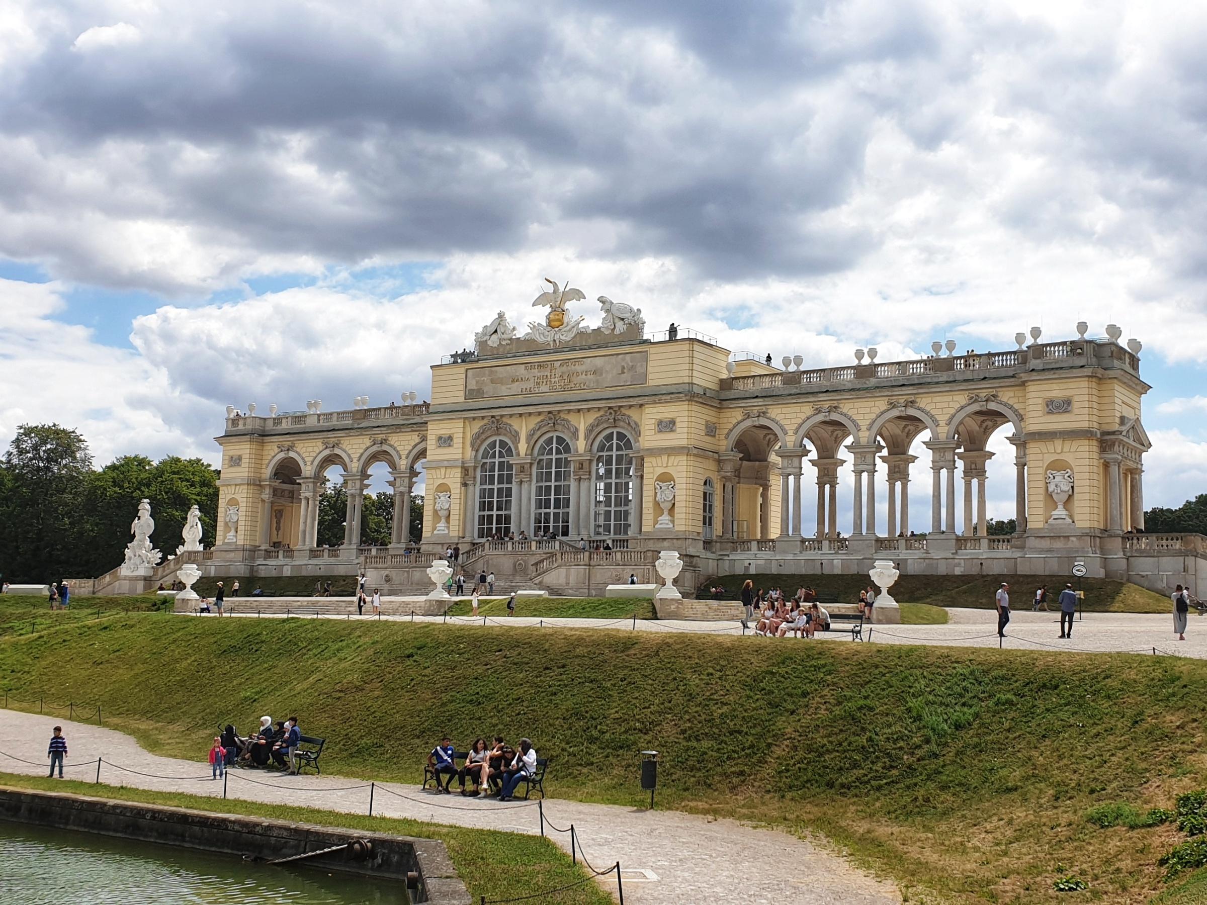 The Orangerie Schönbrunn Palace, Chasing Emma